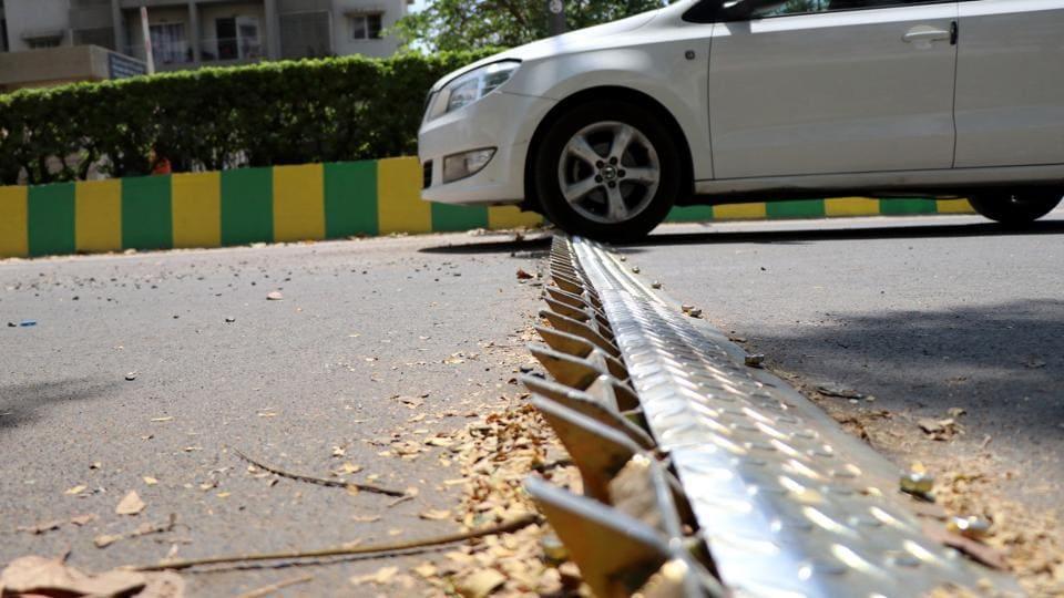 noida roads,wrong side driving,tyre killer