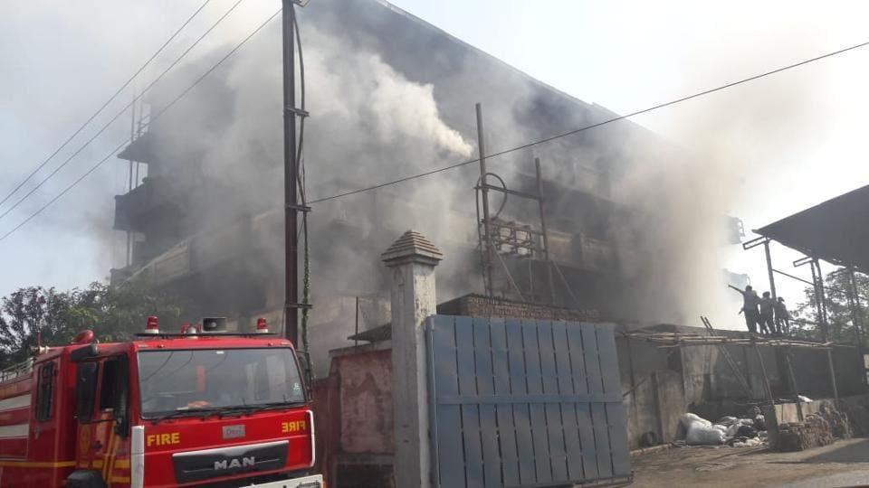 fire,cloth factory,Maharashtra