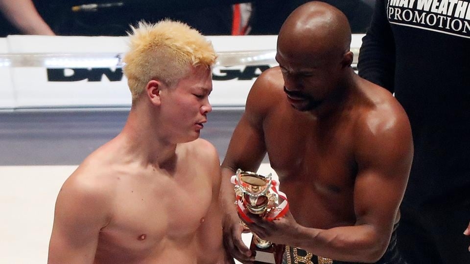 Floyd Mayweather Reacts To Knocking Out Tenshin In Round 1