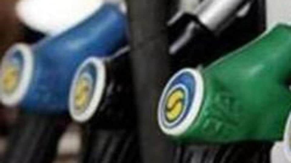 Oil prices climbed on the last trading day of the year on Monday.