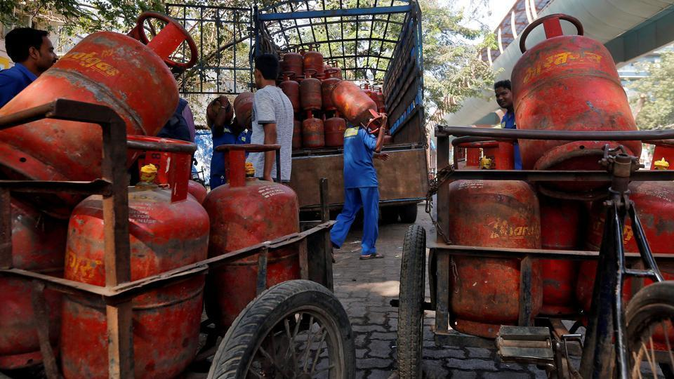 Domestic cooking gas (LPG) price was cut by Rs 5.91 per cylinder Monday, the second straight reduction in a month's time due to tax impact on reduced market rate of the fuel.
