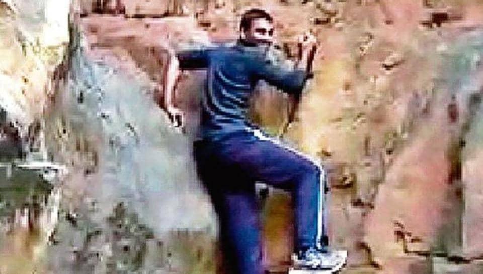 JNU,research assistant dies at JNU,delhi