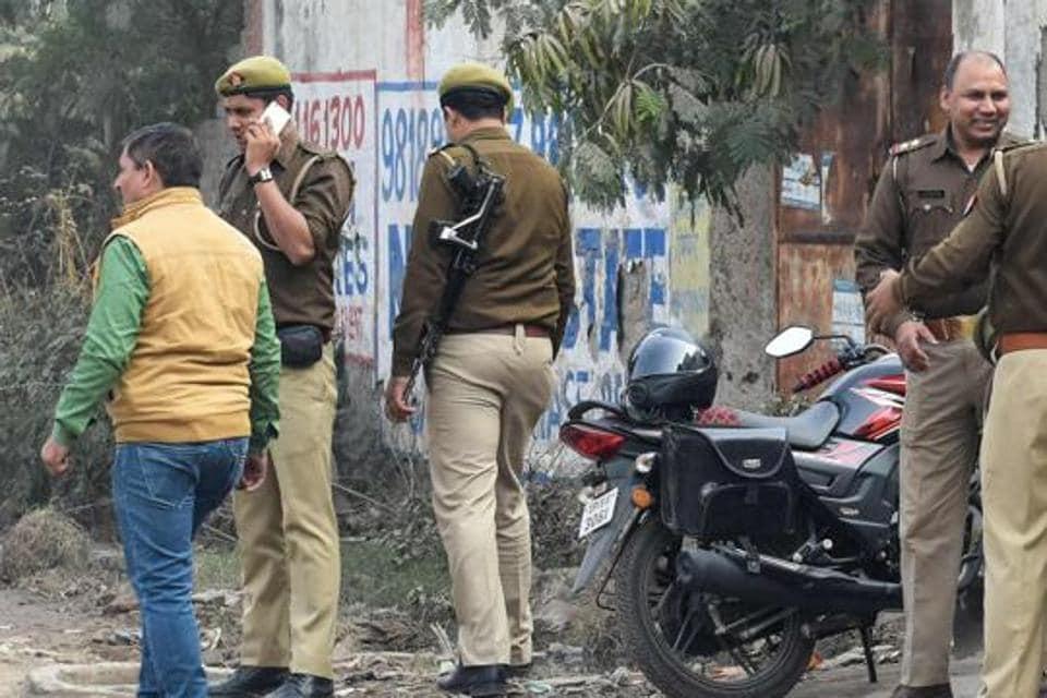 priest murder,priest found hanging,rae bareli killing