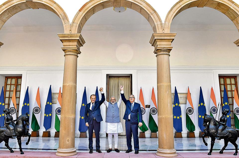 Indian Prime Minister Narendra Modi with Donald Tusk (L), president of the European Council, and European Commission President Jean-Claude Juncker prior to a meeting as the 14th EU-India Summit takes place in New Delhi on October 6, 2017