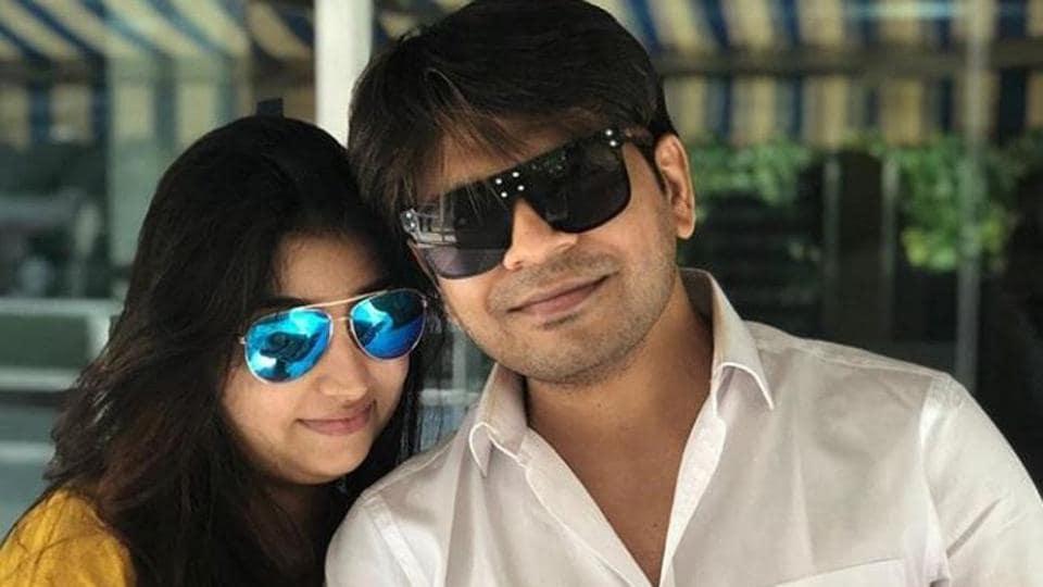 Ankit Tiwari Wife Pallavi Welcome Baby Girl Mahesh Bhatt Names Her