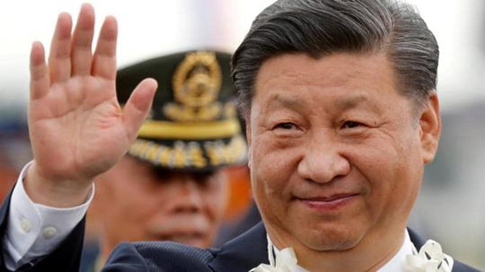 China's President Xi Jinping waves to the crowd upon his arrival at Ninoy Aquino International airport during a state visit in Manila, Philippines, November 20, 2018