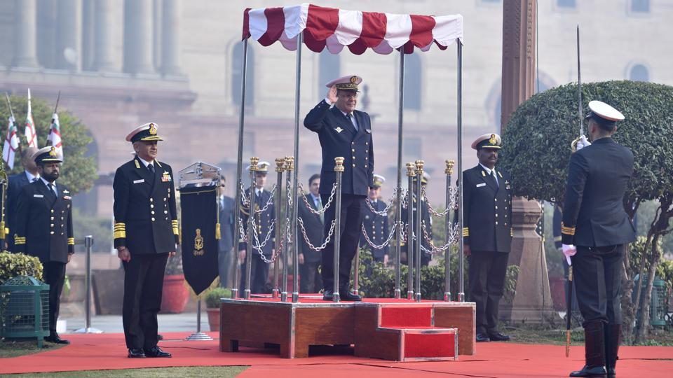 French Navy Chief Vice Admiral Christophe Prazuck, who began a three-day visit to India from January 06 to hold talks with his Indian counterpart Admiral Sunil Lanba, received the Guard of Honour in Delhi on Monday. The French navy chief is in India to consolidate bilateral naval relations between the two countries. (Sanchit Khanna / HT Photo)