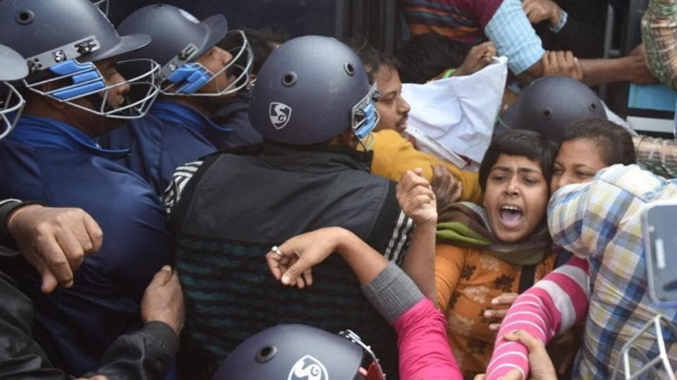 Trade Union activists protesting while courting arrest during two day long Bharat Bandh called by Trade Unions, at Hazra in Kolkata on Tuesday 8th January 2019.