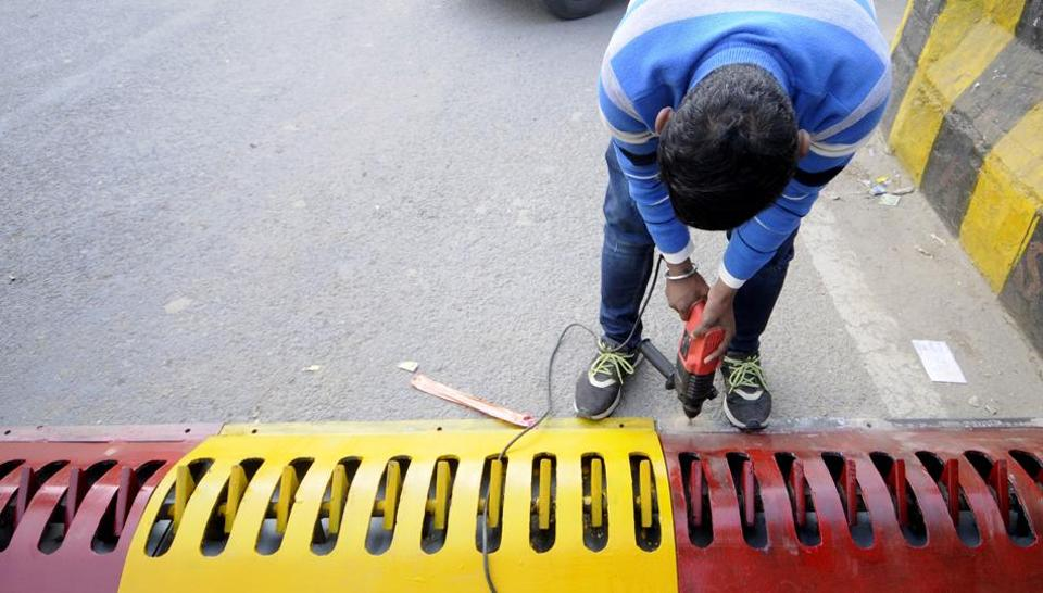 Tyre killers have been installed near sector 76 / 77 intersection  in Noida to check wrong side driving.