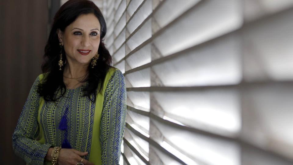 Kishori Shahane Vij,Mumbai Apli Ahe,Marathi