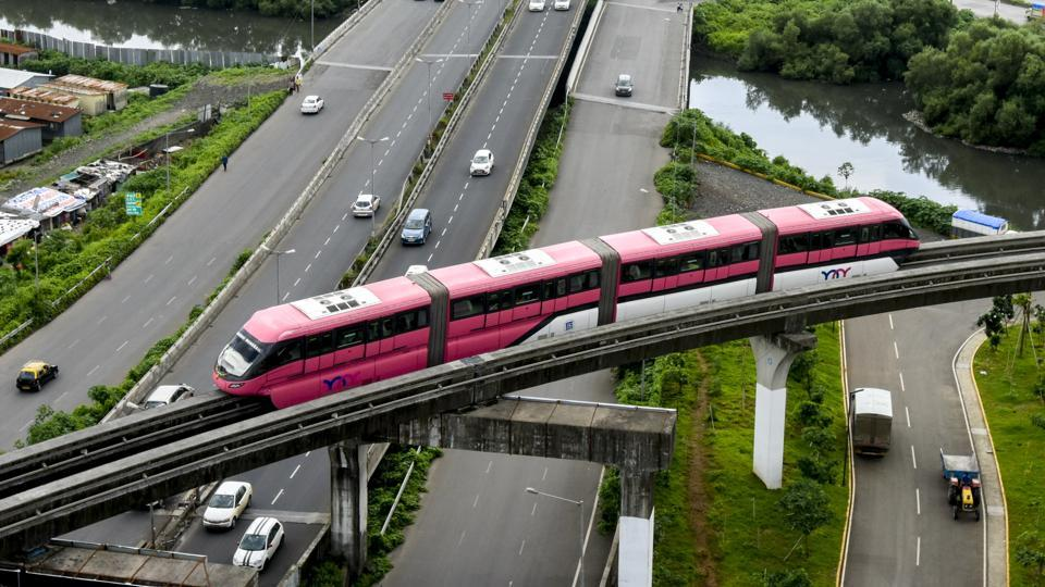Mumbai monorail employees have threatened to go on a strike, if the authorities do not clarify stance on their demands.