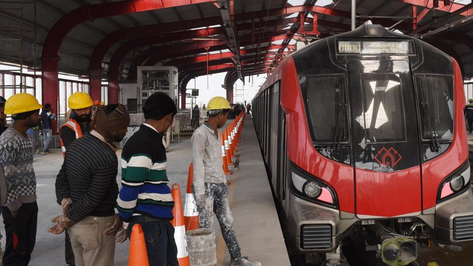 Metro Train stop Munshi Pulia station during the second phase trial run of Lucknow Metro from Charbagh in Lucknow , India, on Wednesday, January 9, 2019