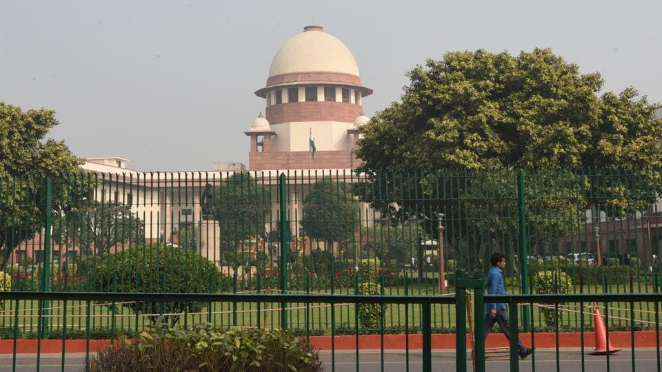 A petition has been filed in the Supreme Court challenging the constitutional amendment bill that reserves 10% quota for economically weaker sections in the general category. A petition filed by a group, Youth for Equality and Dr Kaushal Kant Mishra, said the amendment violates the 50% ceiling that had been laid down by the Supreme Court. (Sonu Mehta / HT File)