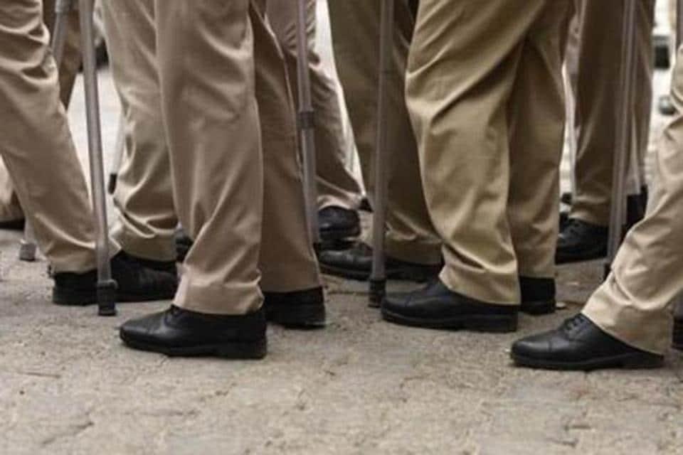 Constable,suspend,schoolgirl