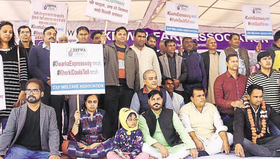 dwarka expressway,northern peripheral road,hunger strike