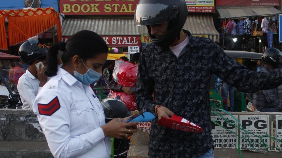 Gurugram police to send fine slips home, start cashless payment
