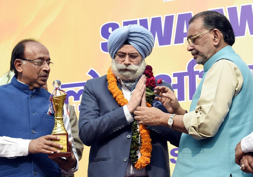 HS Phoolka felicitated,vijay goel,BJP