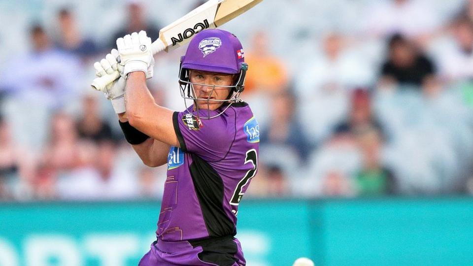 D'Arcy Short plays a shot during the Big Bash League 2018-19.