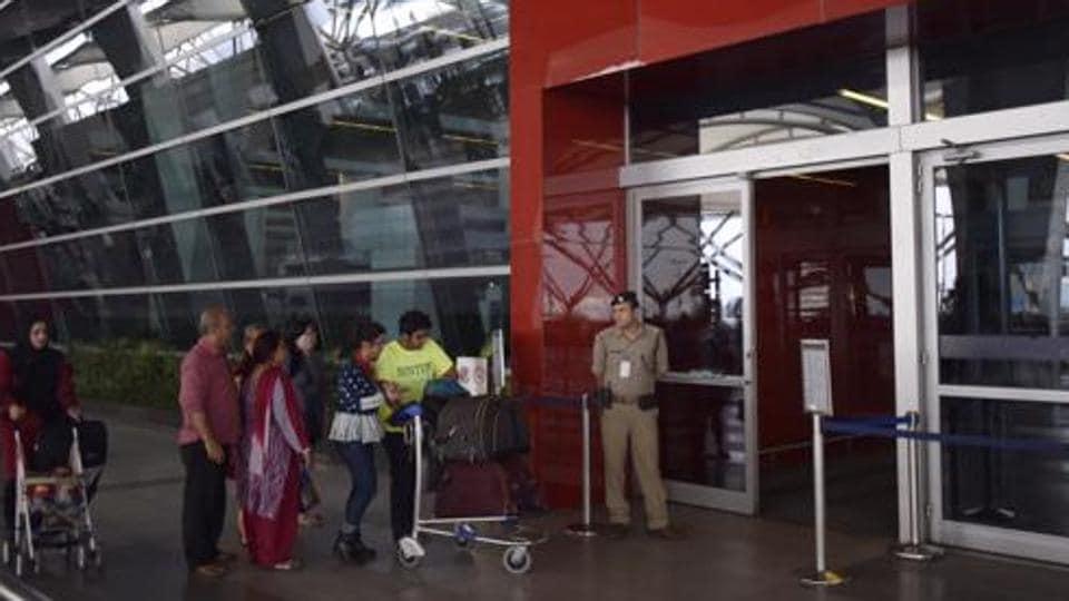 IGI airport,CISF,security checks at IGI