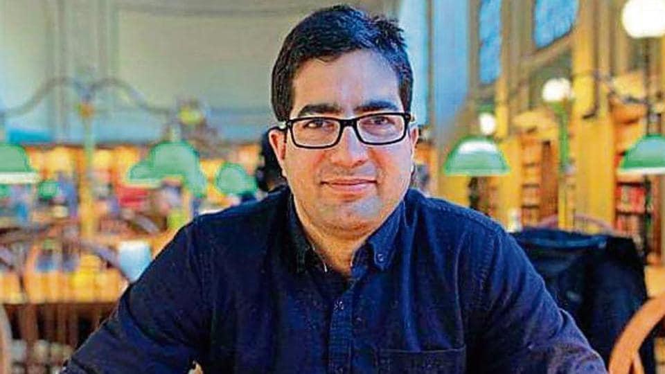 shah faesal,shah faesal quits,IAS topper Shah Faesal