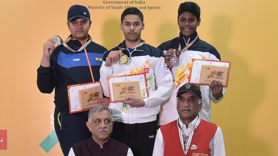 (From left) Rajkanwar Singh (Punjab); silver, Udayveer Sidhu (Chandigarh), gold and Mukesh Nelavalli (Andhra Pradesh) bronze of Men U-17 10m air pistol at Khelo India Youth Games (HT PHOTO)