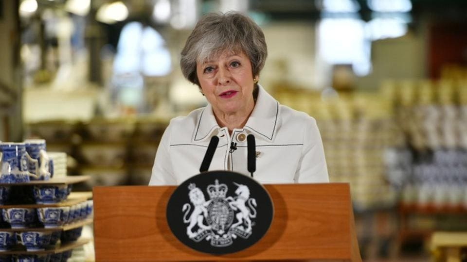 Theresa May, the British prime minister, is in an unenviable position, to put it mildly. On the one hand, a big chunk of her own party MPs won't agree with her Brexit plan and, on the other, they wouldn't even let her leave the 10 Downing Street