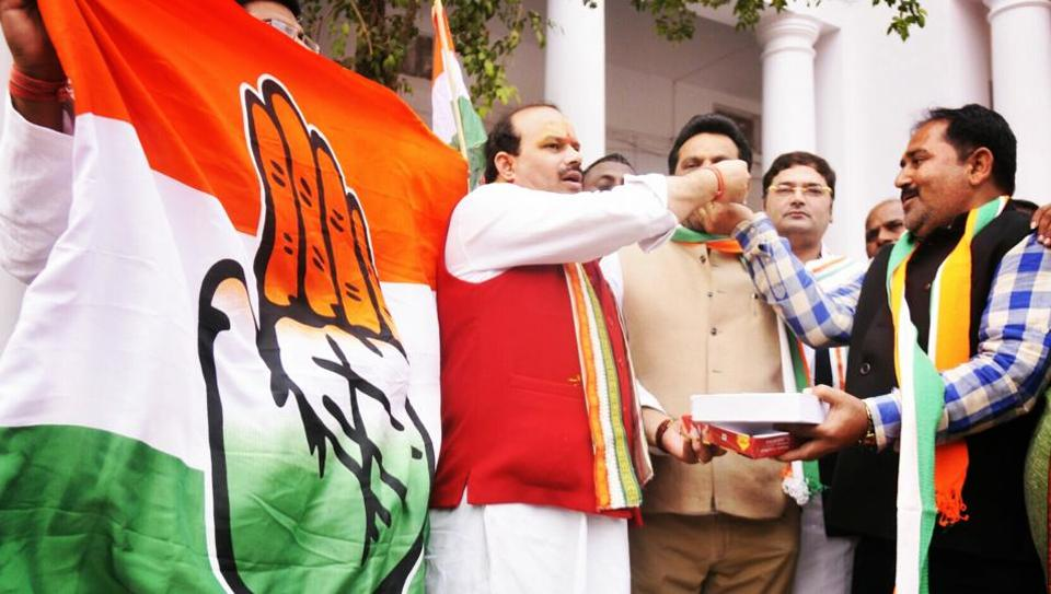 Left out of SP-BSP alliance, can Congress repeat 2009 in UP?