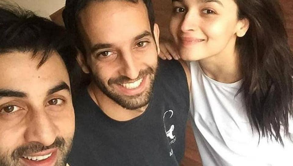 Ranbir Kapoor And Alia Bhatt Pose For A Selfie As They Resume