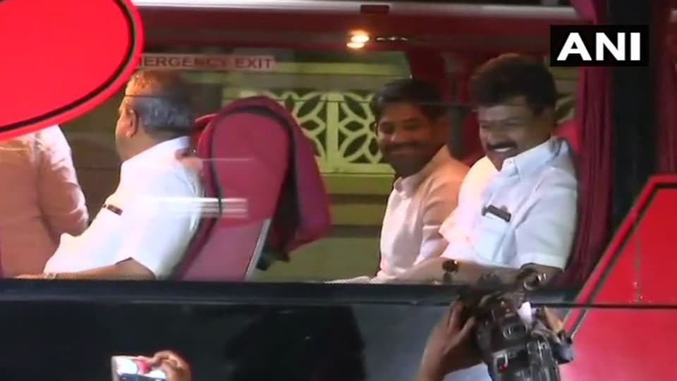 'BJP onslaught' prompts Karnataka Congress to cut its losses, shift MLAs to resort