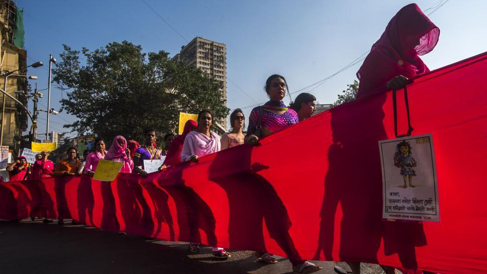 Transgender people participate in the 5th Pink rally for their rights from August Kranti Maidan to Girgaon chowpatty in Mumbai, Maharashtra. (Pratik Chorge / HT Photo)