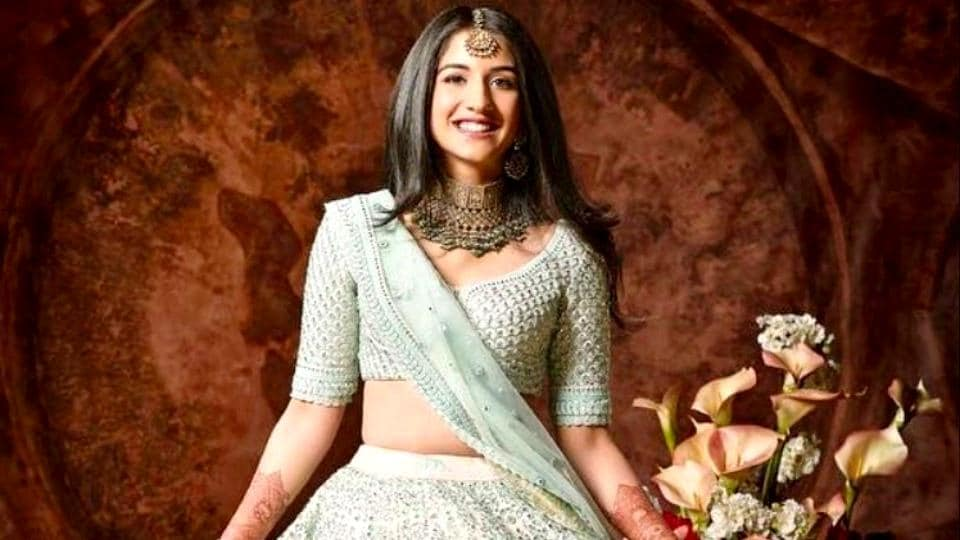 Radhika Merchant went for a classy Sabyasachi lehenga for Isha Ambani's wedding — no need to upstage the bride, right? (Instagram)