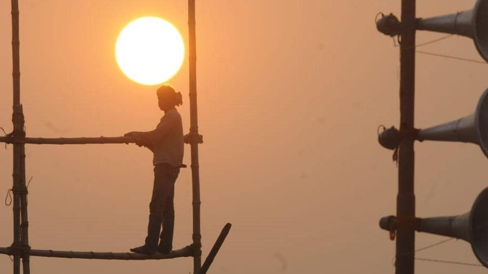 Delhi experienced its hottest January-day on Sunday, since 2007, with the day temperature shooting up to 28.7°C, seven degrees above normal.