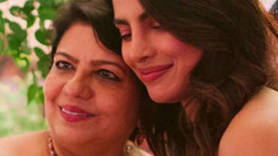 Priyanka Chopra-Nick Jonas' unseen wedding pics have her posing with Sophie Turner, Madhu Chopra shares a 'mother's joy' pic too
