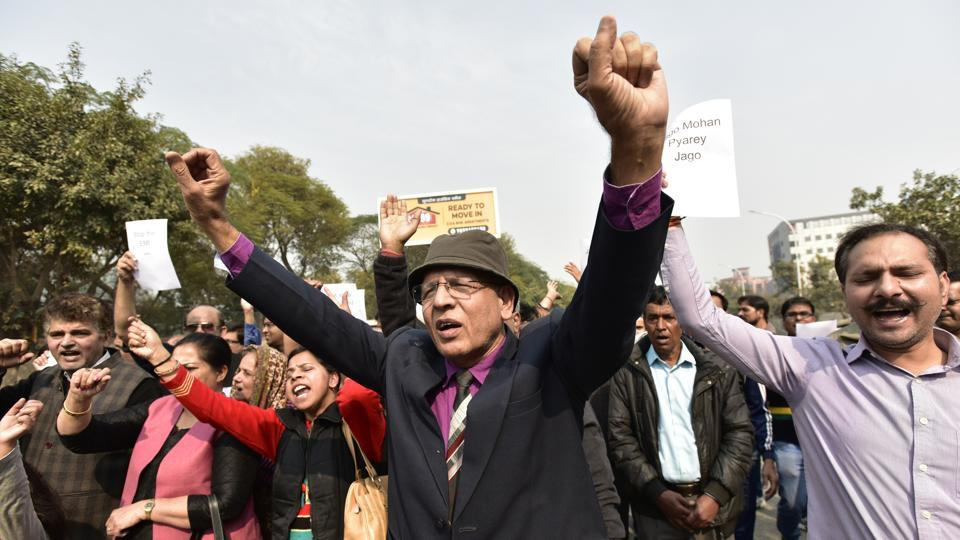 'No flats, no votes in 2019': Aggrieved Amrapali homebuyers protest against UPgovernment, Centre
