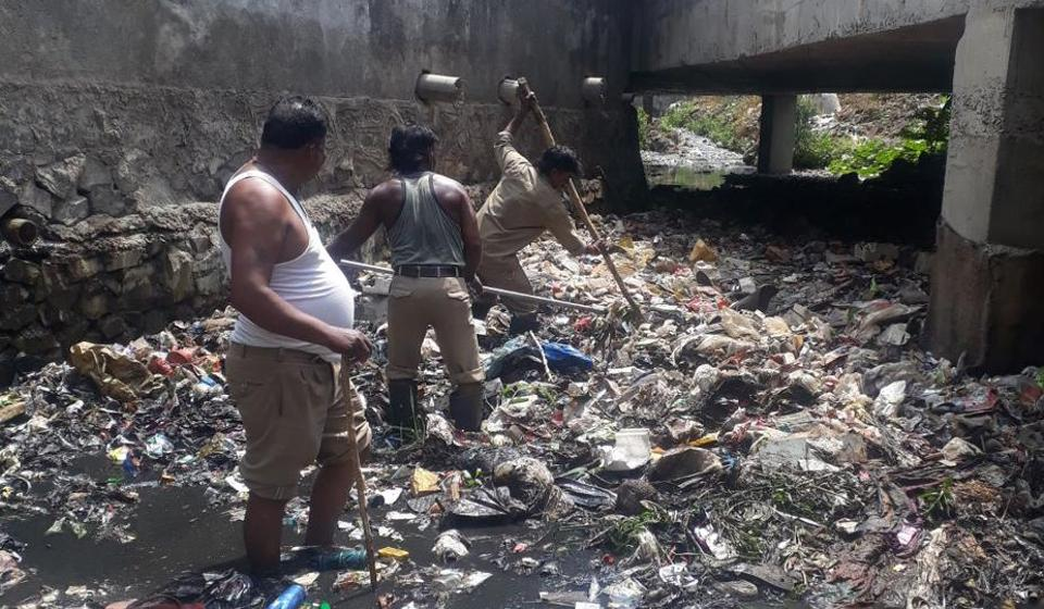 The issue of unhygienic conditions of garbage handling still needs to be addressed aggressively.
