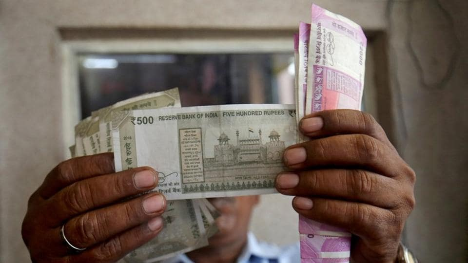 Ru Slips Further Dips 9 Paise To 71 28 Against Usd