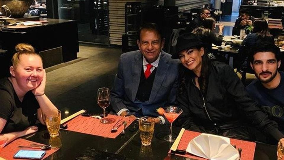Sushmita Sen shares photo with her father and boyfriend Rohman Shawl, says I love you guys. See pics