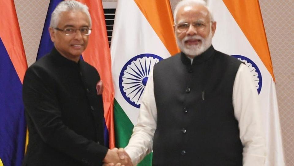 Prime Minister Narendra Modi met Prime Minister of Mauritius Pravind Kumar Jugnauth on the sidelines of Pravasi Bharatiya Divas in Varanasi on Tuesday.