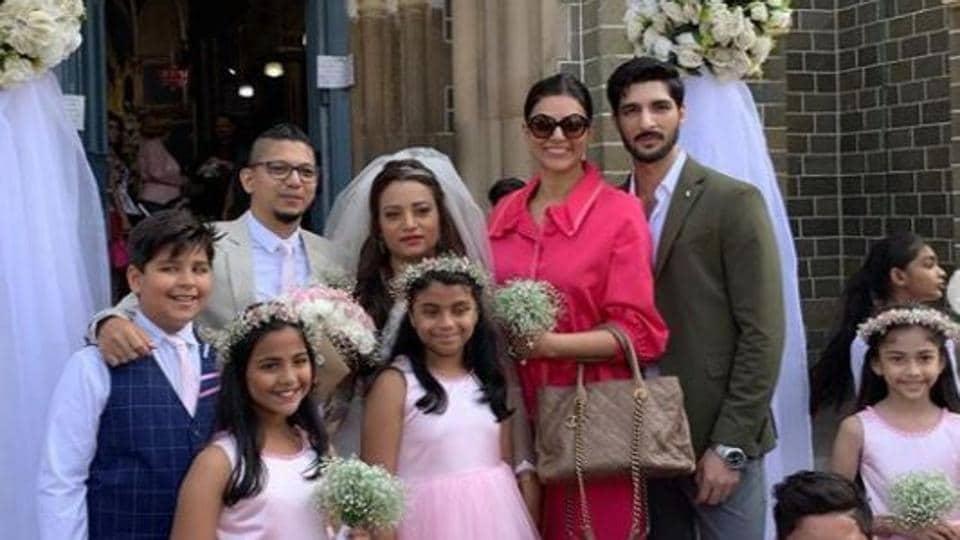 Actor Sushmita Sen with daughter Alisah, boyfriend Rohman Shawl and the bride and groom.