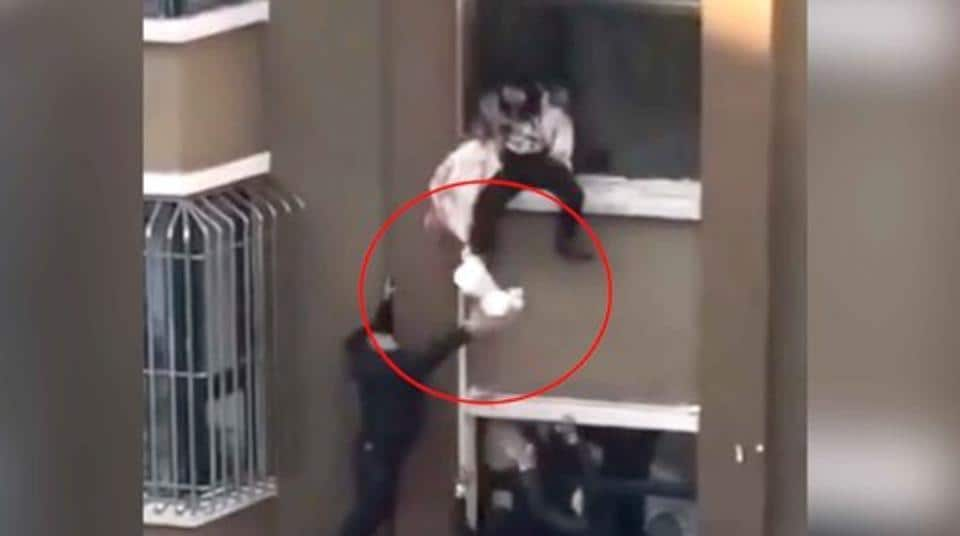 The baby escaped the incident without any injuries thanks to the guard.