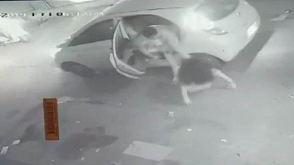 The footage from a CCTV camera in an adjoining shop shows the accused waiting outside the beauty parlour at around 5.30 am and forcing the girl into the car the moment she came out.