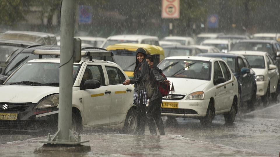 Delhi: Cold wave to return for three days, rain expected next week