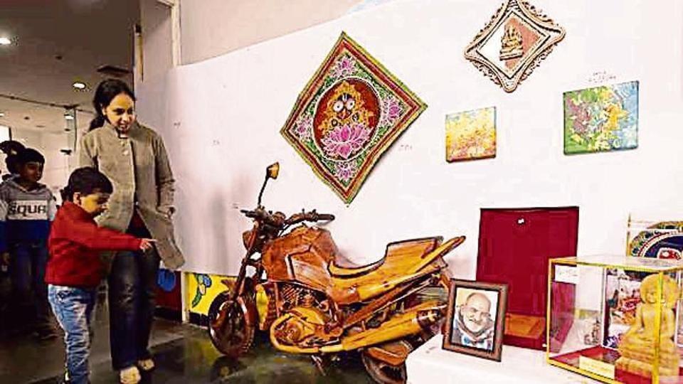 bike,painting,PM Modi
