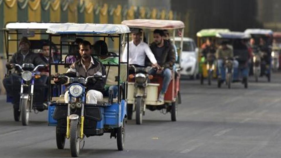 e-rickshaws,power theft,delhi discoms