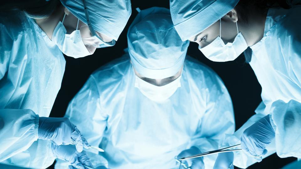 Guinness World Record,hip replacement surgery,Delhi doctor