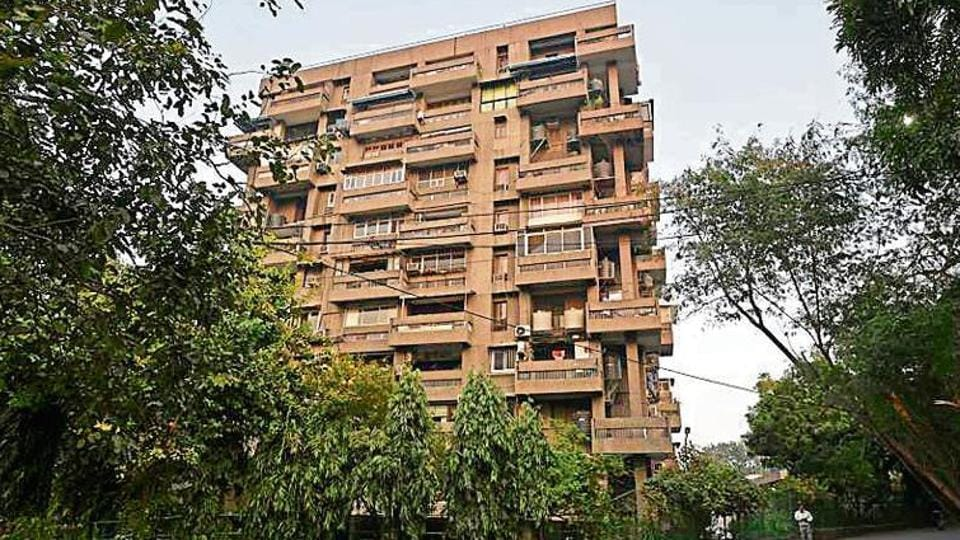 east of kailash murders,elderly couple murdered in delhi,murders in mount kailash apartments