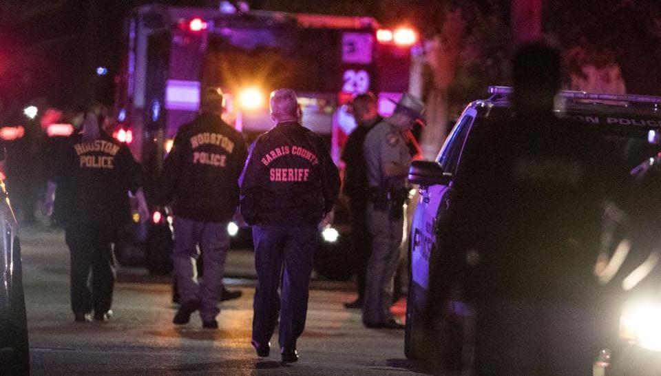 Houston shooting,Houston cops shot,police officers shot