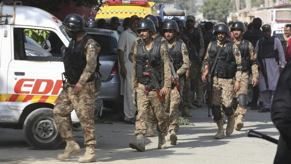 gunmen,police station,Pakistan