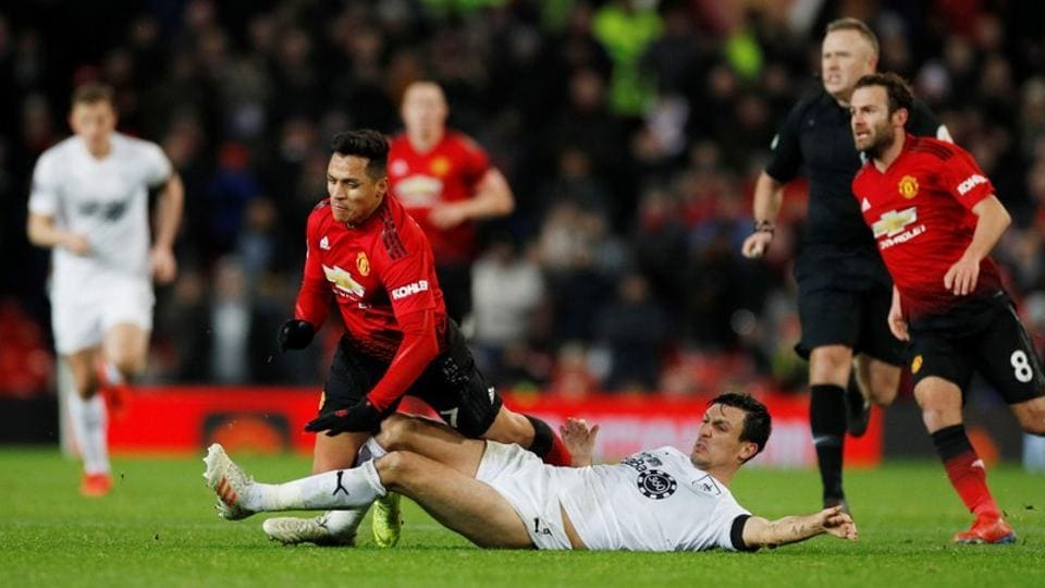 Manchester United held but late show rescues Solskjaer's unbeaten start | football