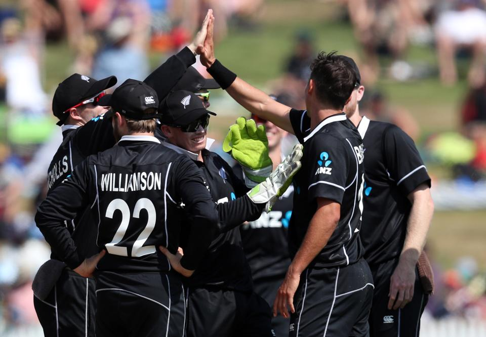 New Zeland celebrate the wicket of India's Shubman Gill during the fourth one-day international cricket match between New Zealand and India at Seddon Park in Hamilton. (AFP)